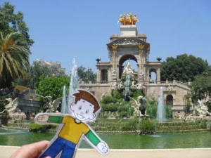 Flat Stanley at the fountain in Parc de la Ciutadella